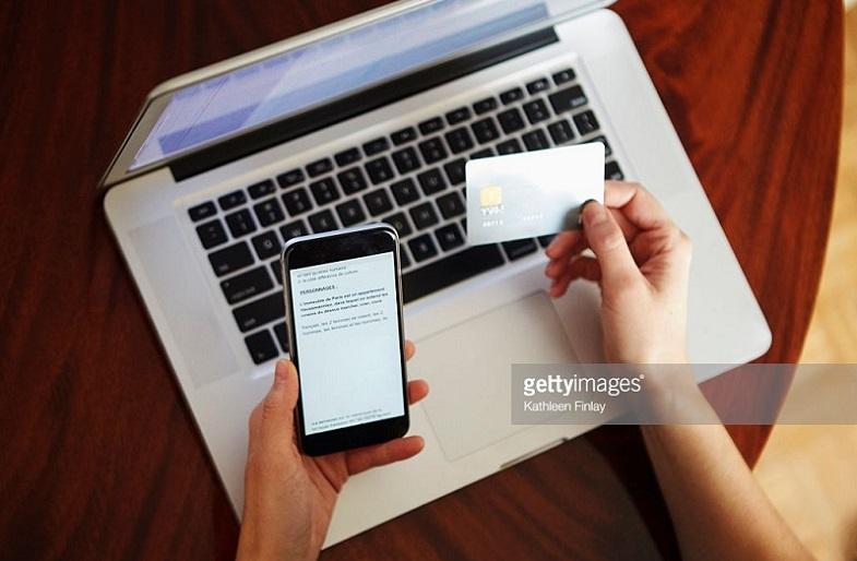 gambar menggunakan internet banking