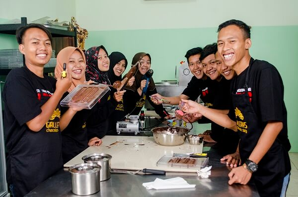 chocolate making class for community by Gallerys Chocolate 2