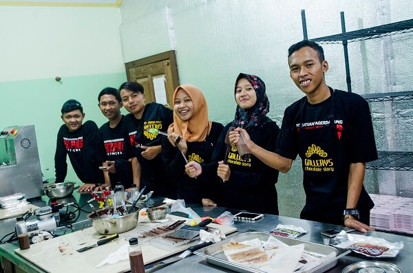chocolate making class for community by Gallerys Chocolate 3
